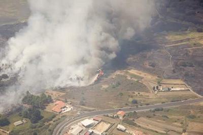 200681094314, Fuego en Galicia, Agosto de 2006.jpg