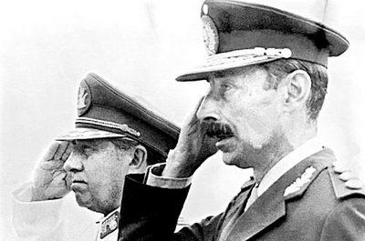 Pinochet_y_Videla_2.jpg