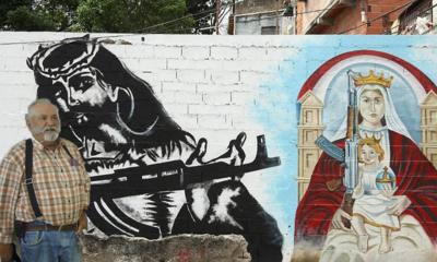 El Padre Patillas y el Cristo armado. Foto carlos de Urabá..png