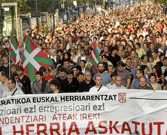 Euskadimanipancartaeuskadiaskatu.jpg