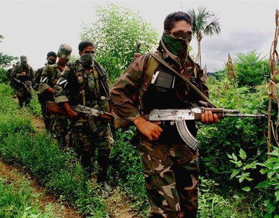 Paramilitarismo1-e1459970325314.jpg