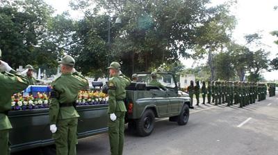 Cortejo fúnebre del guerrillero Pombo. Foto Carlos de Urabá.JPG