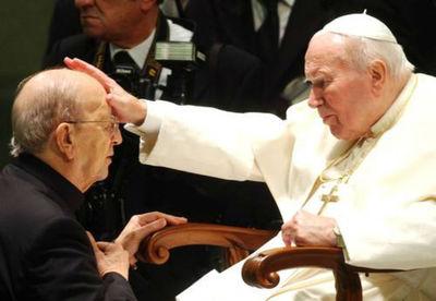 Juan Pablo II y Marcial Maciel.jpg