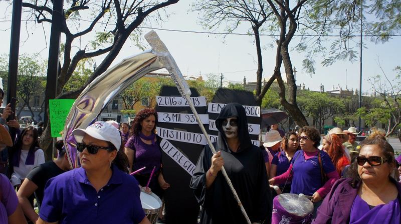 Protesta contra feminicidios en Guadalajara (México) Carlos de Urabá.JPG