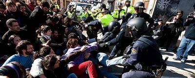 Violencia-policial-en-el-Cabanyal-579-fora.jpg