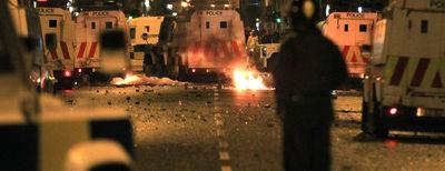 carrers-Short-Strand-Belfast-violencia_ARAIMA20110622_0064_23.jpg
