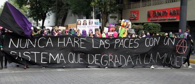 marcha contra los feminicidios en México XV. Foto Carlos de Urabá.JPG