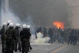 thumb-Fuertes-disturbios-en-Grecia_expand-742847.jpg