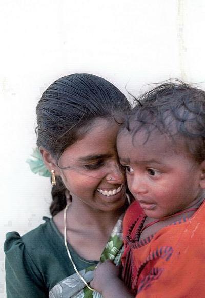 las madres de nuestors hijos,los-intocables-india-estado-de-andhra-pradesh-1998-la-casta-de-los-intocables-constituye-un-eslabon-mas-bajo-la-jerarquiz.jpg