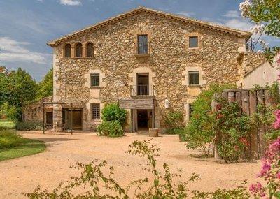 Masia_Girona_01.jpg