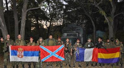 espa_oles_en_el_donbas_con_fachas_serbios_y_franceses.jpg