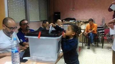 niño votando.jpg
