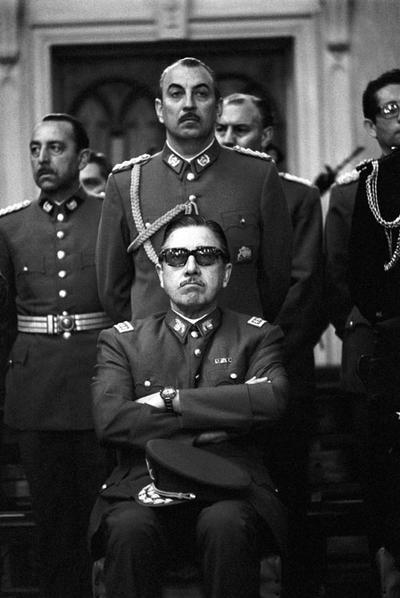 Pinochetjunta1973.jpg