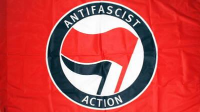 S3_antifa-flag.jpg