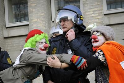 clownarmy2.jpg