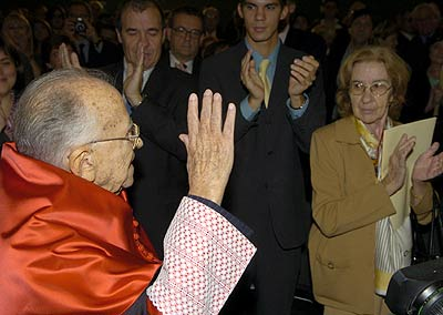 Santiago Carriillo, 2005,04a817f9cd448c41f6bbb7d19ce59295_extras_albumes_0.jpg