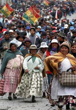 Indigenas_bolivianos_manifiestan_Paz.jpg