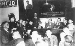 Pepe Diaz en reunión.jpg