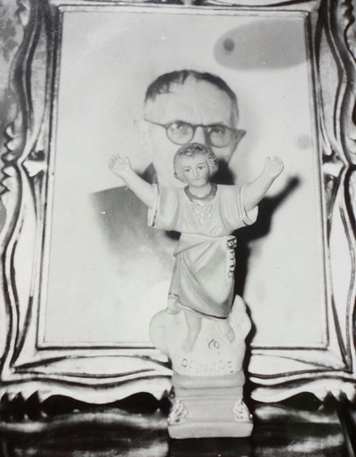 divino niño y padre de Rizzo.jpg