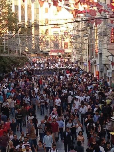 turkey_istanbul_istiklal_street_2.jpg