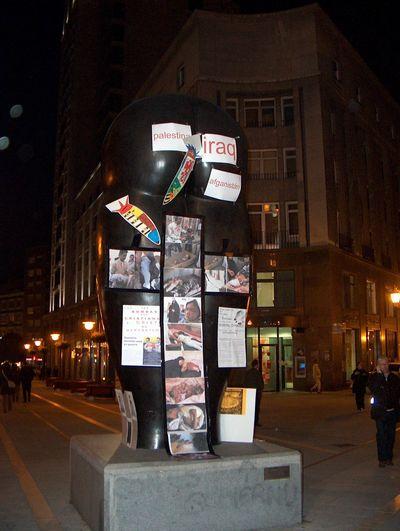 16 marzo 2006. el Culis Monumentálibus de ürculo contra la guerra.jpg