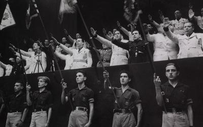 1943-10_seccion-femenina-falange-barcelona.jpg