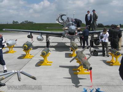Tucano_A-29B_con_LGB_Griffin2.jpg