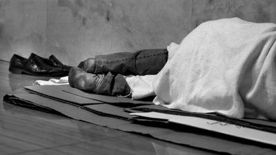 dormir-calle-pobreza-marginado-hogar-casa.jpg