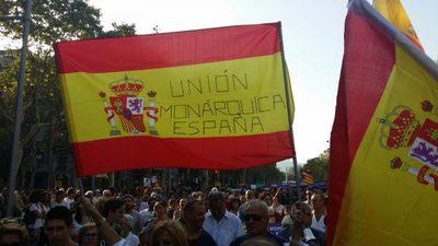 CATALUÑA-ESPAÑA-sáb.-26.08.2017.-Un-grupo-de-simpatizantes-de-«Asociación-Unión-Monárquica».-lasvocesdelpueblo-1-e1503776060752.jpg