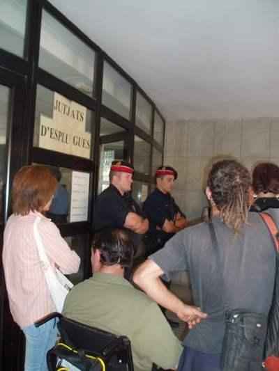 w_judici desobediencia 19juny07.jpg