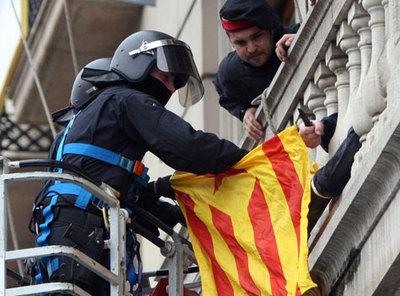 171239_mossos_contraindependenti.jpg