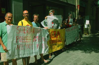 Barcelona contra petroleo.jpg