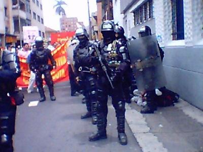 Colombia 12.10.04 03.jpg
