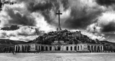 El_Valle_de_los_Caídos-e1537297534380.jpg