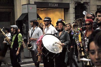 Músika y a la calle.jpg