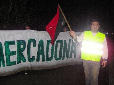 mercadona-trabajadores-manifestacion-27-abril-09.jpg