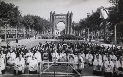 1944-06_comunion-20000hombres-barcelona.jpg