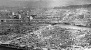300px-Hiroshima_aftermath, Hiroshima. 6 de agosto de 1945.jpg