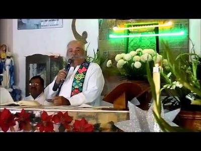 El sermón del Padre Patillas. Foto Carlos de Urabá..jpg