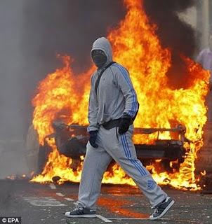 London burn and loot.jpg