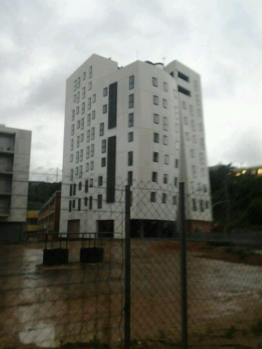 edifici-ocupat-a-Torre-Baro-375x500.jpg