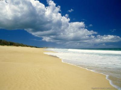 10,Playa,nubes y cielo azul.jpg