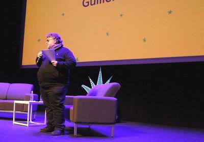Guillermo del Toro, en su presentación del FICG. Foto Carlos de Urabá.JPG