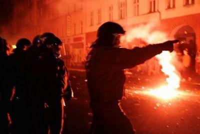 berlin_riots2.jpg