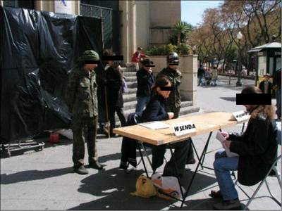 ciutadans declarant a Hisenda.jpg