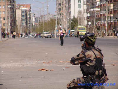 militar dispara.jpg