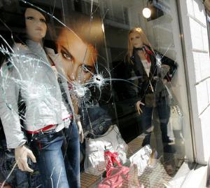 nuevos disturbios grecia.jpg