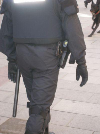 resized_mani toxics 10mars07 pistoleros.jpg