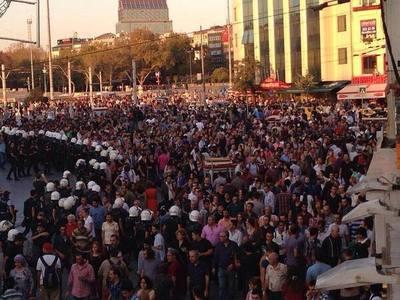 turkey_istanbul_taksim_square_3.jpg
