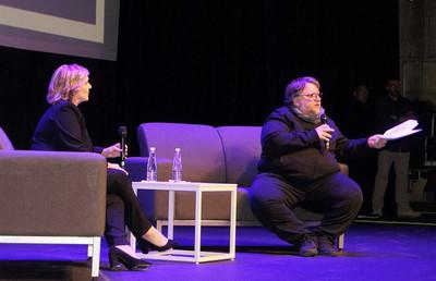 Conferencia de Guillermo del Toro y Melissa Gibb-Netflix en la FICG 2019. Foto Carlos de Urabá..JPG
